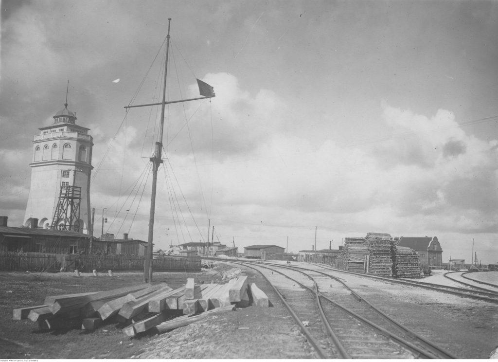 Budynek wieży ciśnień i Kapitanatu Portu.