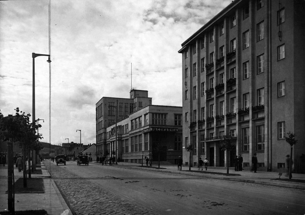 Ulica 10 Lutego - budynek poczty