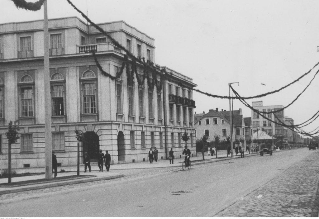 Ulica 10 Lutego - siedziba Narodowego Banku Polskiego z 1929 r.