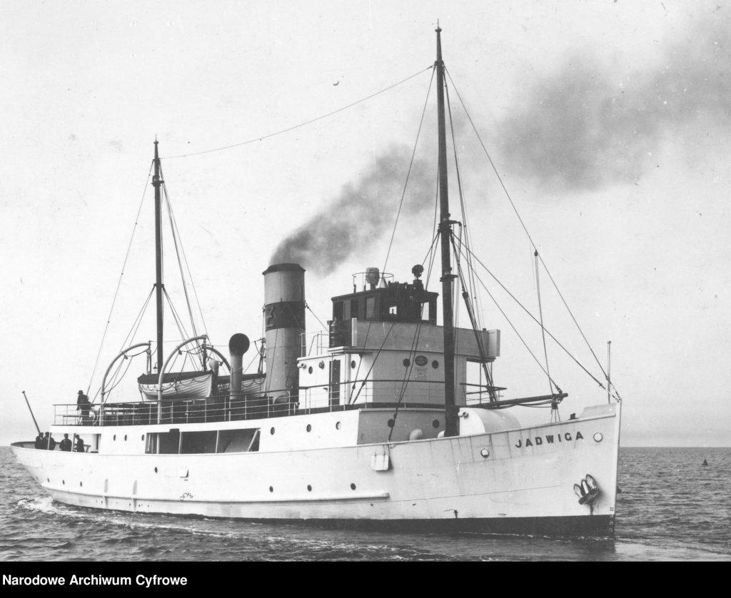 Statek JADWIGA podczas rejsu