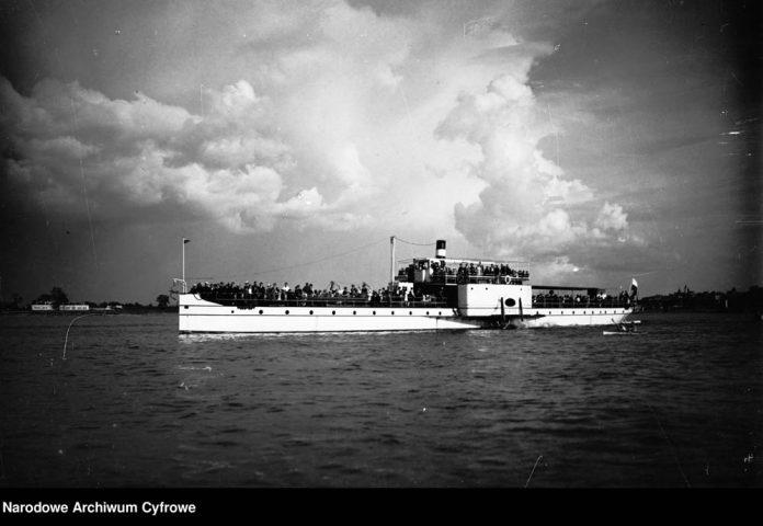 Statek-pasażerski-PŁOCK-wygląd-zewnętrzny