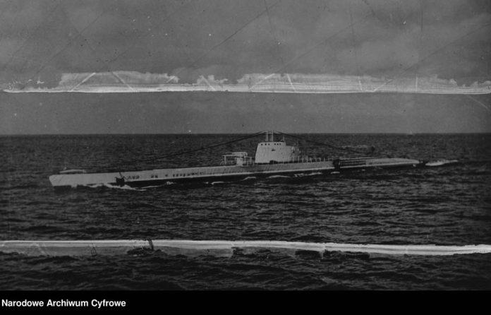 Okręt podwodny ORP WILK na morzu
