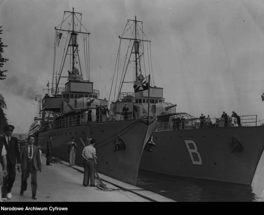 """[ORP BURZA] Wizyta niszczycieli ORP """"Burza"""" i ORP """"Wicher"""" oraz okrętu podwodnego ORP """"wilk"""" w Danii"""