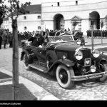 Prezydent-RP-Ignacy-Mościcki-po-defiladzie-przybywa-do-Oksywia
