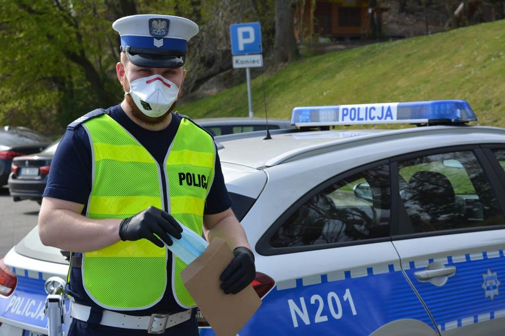 PODSUMOWANIE POLICYJNYCH DZIAŁAŃ ZA OSTATNI WEEKEND // KOMENDA MIEJSKA POLICJI W GDYNI. - [Data publikacji 27.04.2020]
